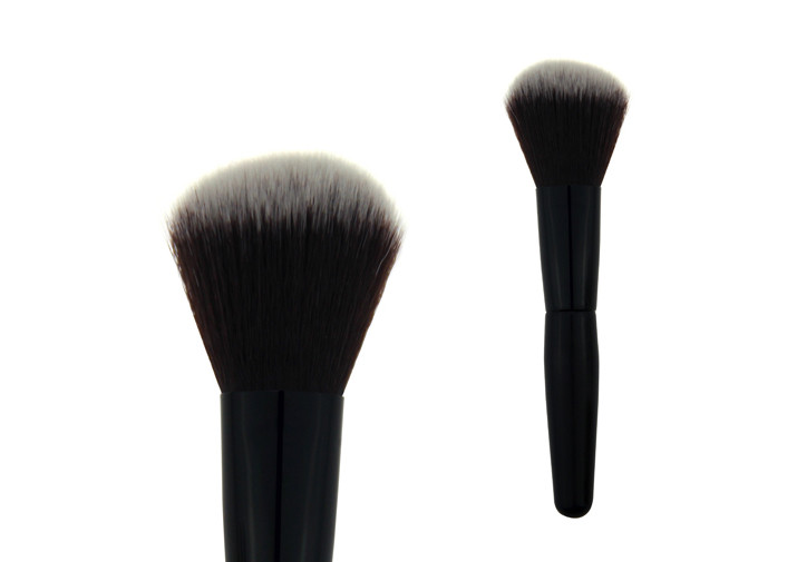 Single Long Kabuki Angled Blush Brush 47mm Black Ferrule Aluminum