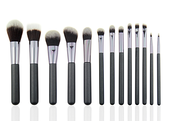 White And Brown Professional Makeup Brush Set For Facial And Eye Makeup