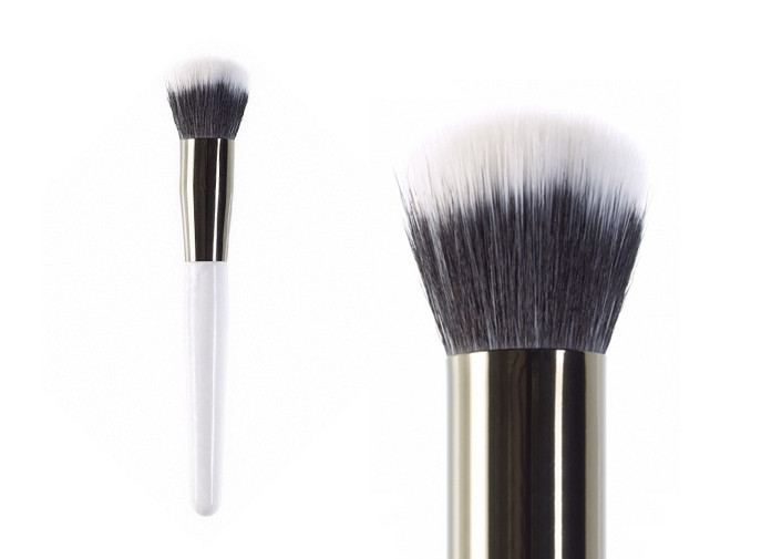 Single Duo Fibre Buffer Makeup Brush With Synthetic Hair And Wooden Handle